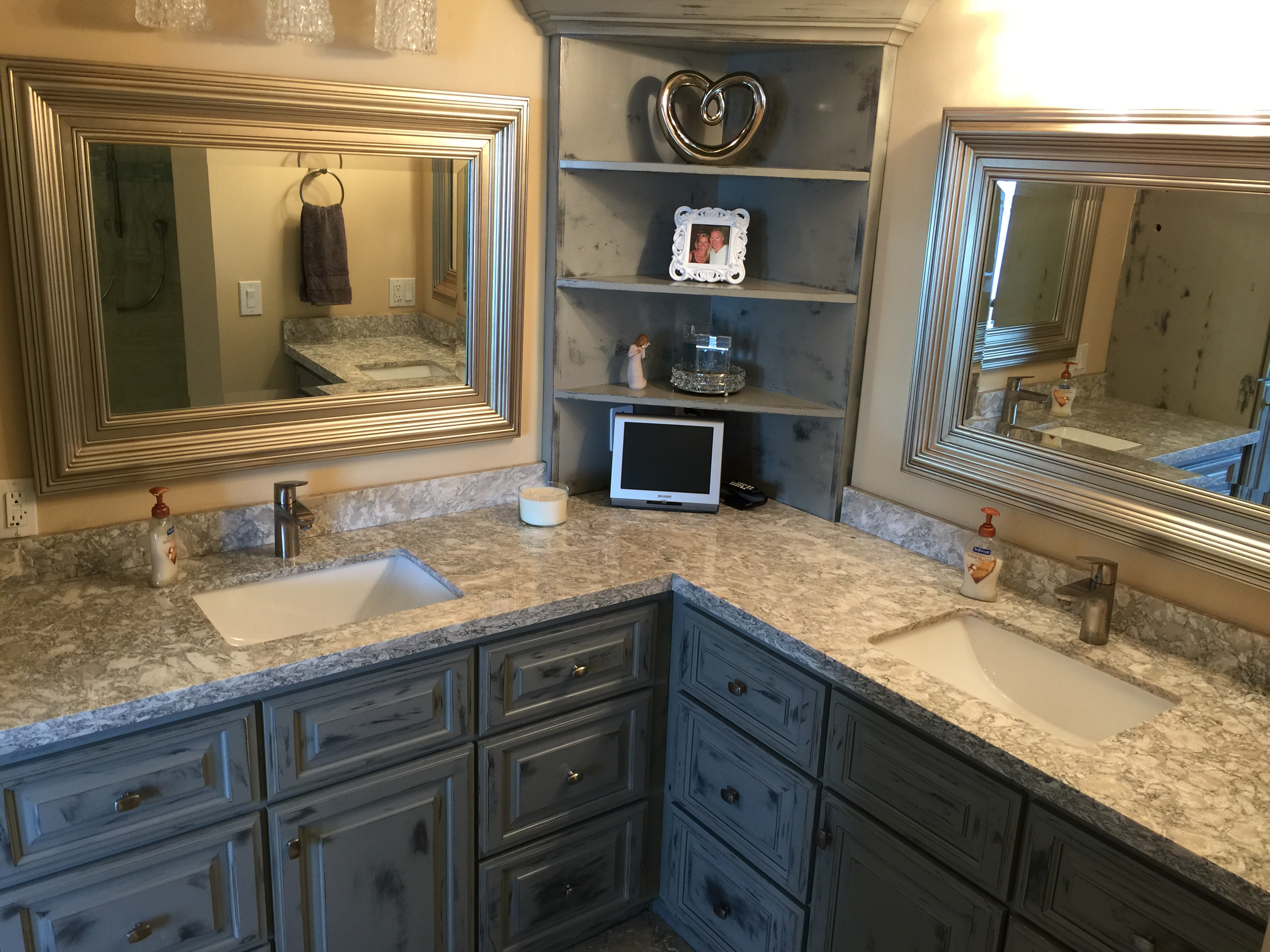 Master bathrooms you dream of creative surfaces blog for Master bathroom countertops